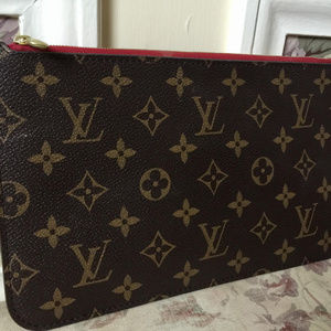 NEVER  USED - Louis Vuitton Neverfull Clutch Bag